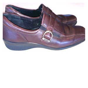 Ecco brown buckle loafer shoes